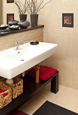 Badaustattung mit gefliesten Wänden